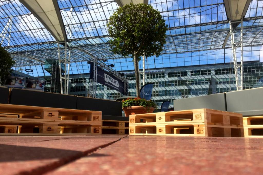 Palettenmöbel mieten ganz einfach bei » SuperSack.de «
