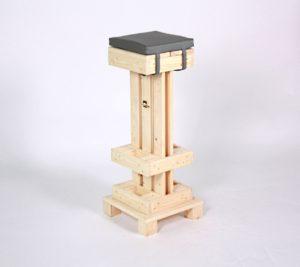 barhocker aus paletten palettenbarhocker von supersack. Black Bedroom Furniture Sets. Home Design Ideas
