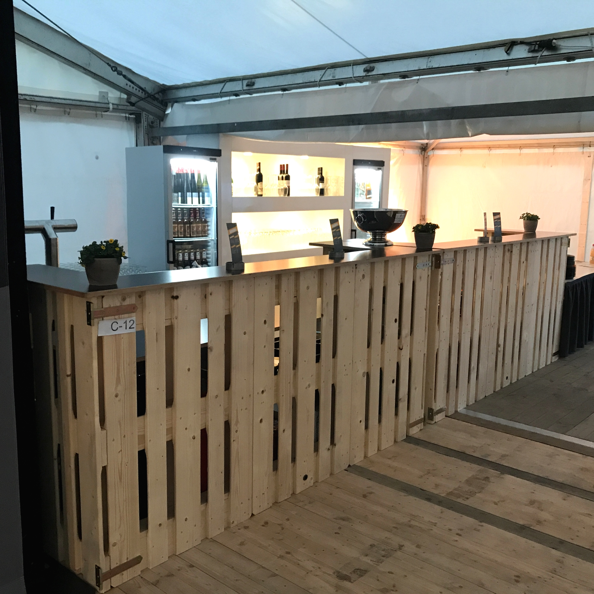Bars & Tresen aus Paletten mieten - 4 - Palettenmöbel mieten bei SuperSack