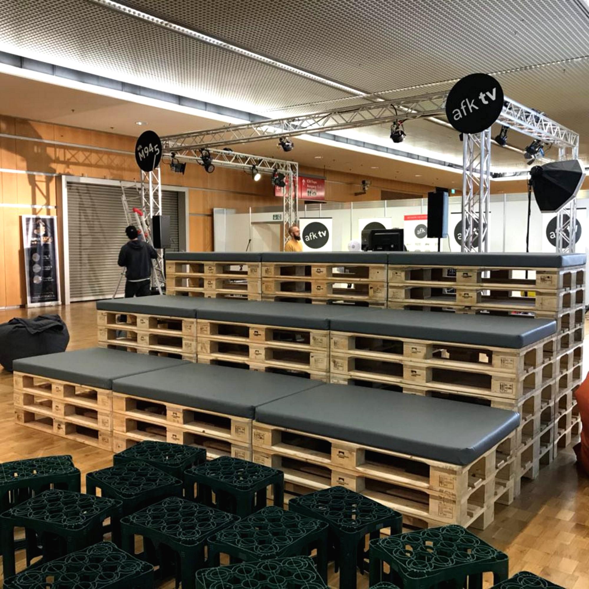 Palettenmöbel Sonderbau - 4 - Palettenmöbel mieten bei SuperSack