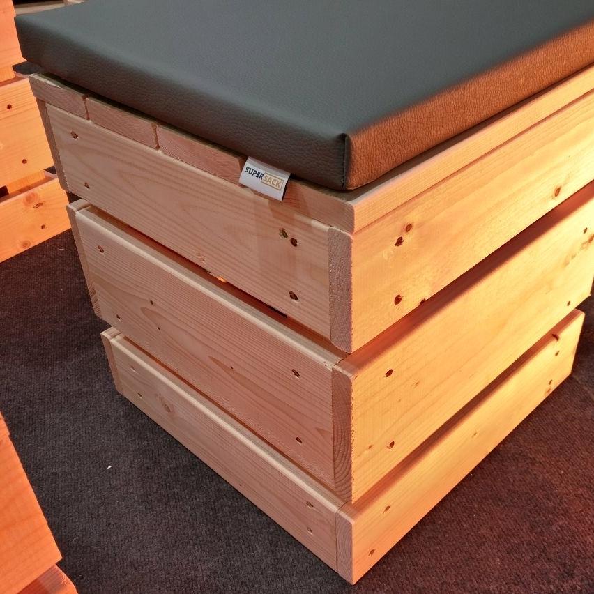 service qualit t unserer miet palettenm bel. Black Bedroom Furniture Sets. Home Design Ideas