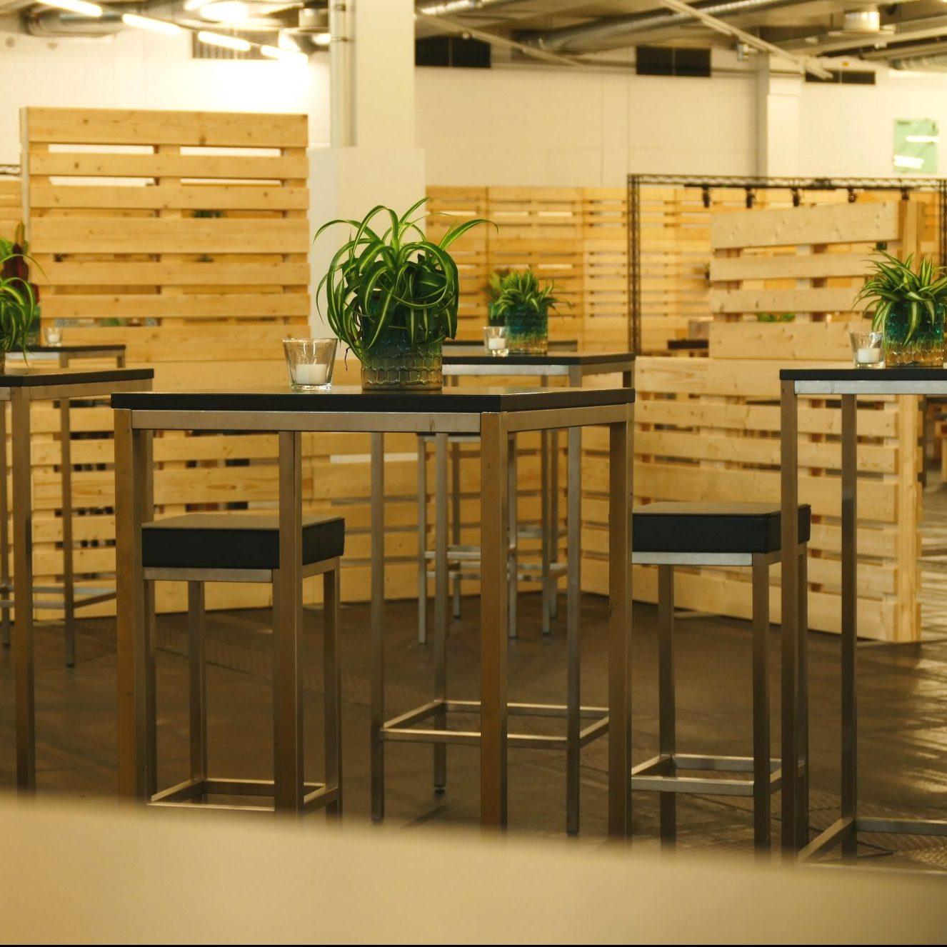 BÜRO-EINRICHTUNG - Palettenmöbel & Raumkonzepte für Büroräume