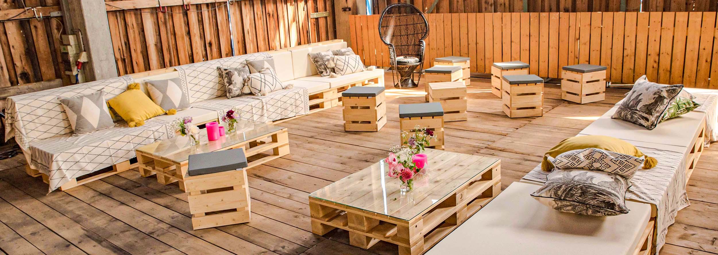 Palettenmöbel für Loungebereiche für Hochzeiten