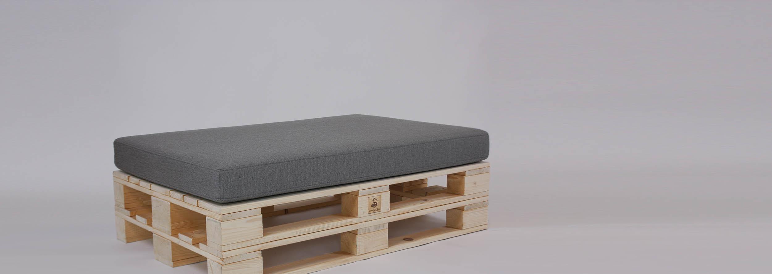 Palettenmöbel-kaufen-Palettensofas-Loungemöbel-Classic-Sitzinsel-von-SUPERSACK