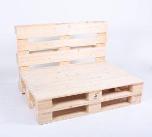 Paletten-Sofa ohne Palettenkissen