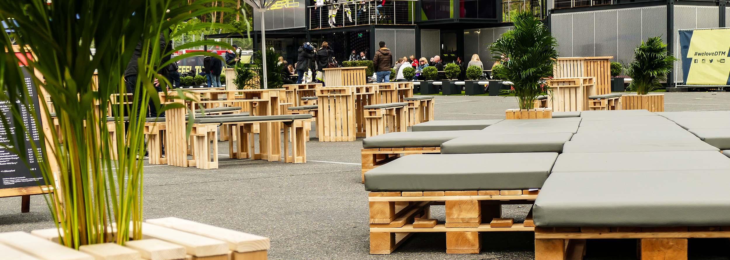 Sitz-und-Loungebereiche-für-Roadshows_2
